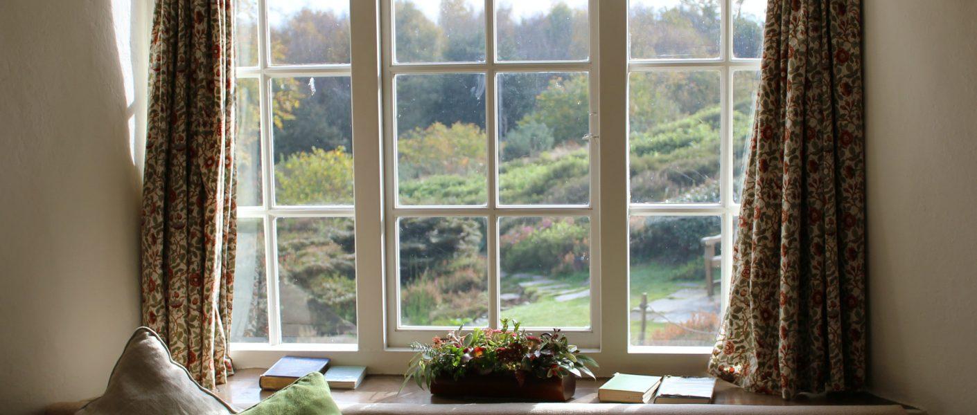 Het is hoogstens tijd om je raambekleding te vervangen